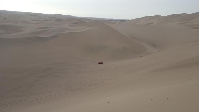 sand dunes huacachina