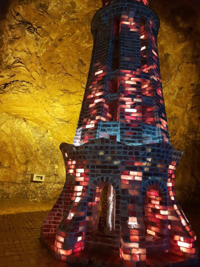 minar e pakistan made from salt