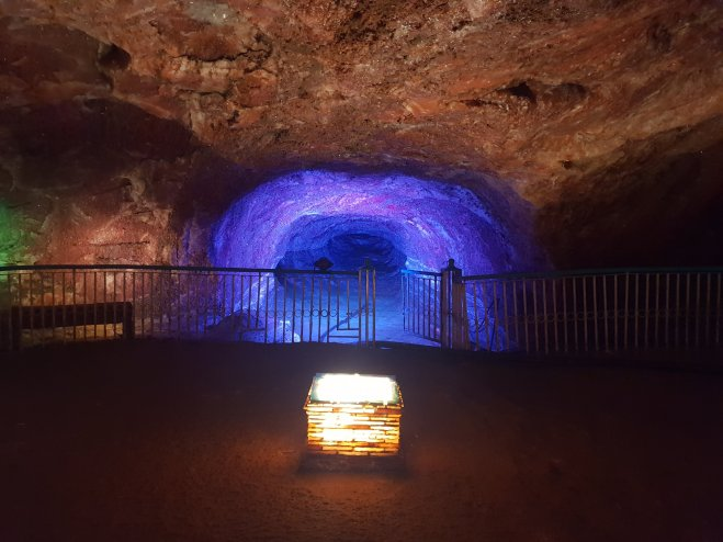 khewra salt mine pink Himalayan salt, inside khewra salt mine